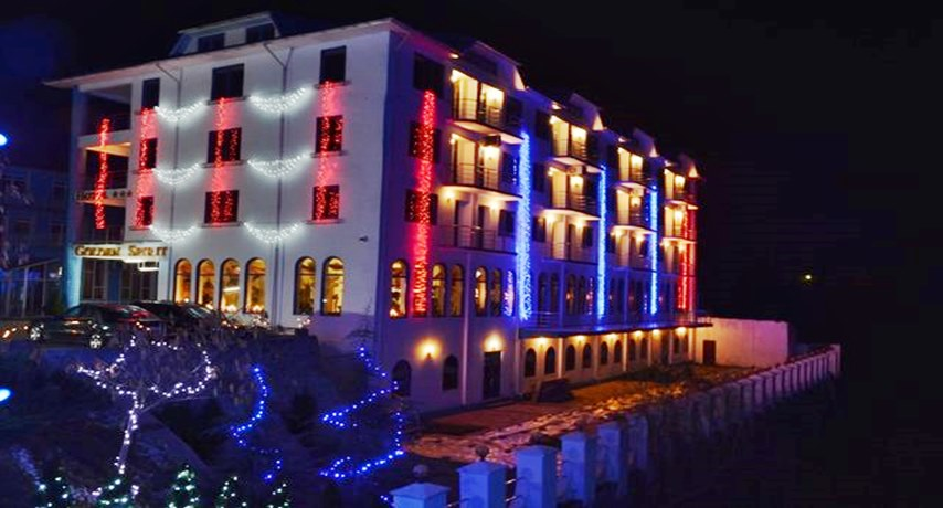 Hotel Golden Spirit iarna